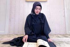 Syahrini Khatam Baca Alquran, Hamdalah - JPNN.com