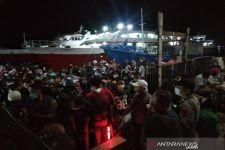 Jelang Larangan Mudik, Penumpang Kapal Malam Kendari-Raha Membeludak, Lihat - JPNN.com
