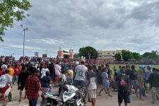 Polisi Terpaksa Membubarkan Pertandingan Sepak bola di Sorong - JPNN.com