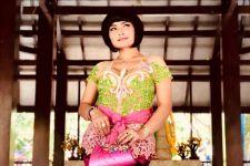 Lies Damayanti Bawakan Lagu Alun-alun Mojokerto di Pesta Pernikahan - JPNN.com