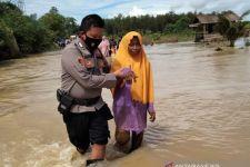 Ribuan Jiwa di Lima Desa Terdampak Banjir Besar di Satui Kalsel - JPNN.com