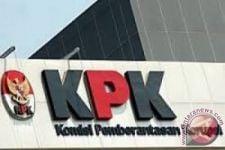 KPK Geledah Rumah Dinas Kepala Daerah di Jawa Tengah, Siapa Dia? - JPNN.com