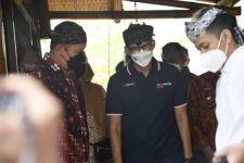 Ibu-ibu di Kampar: Kami Perlu Bantuan, Sandi Uno Harapan Kami - JPNN.com