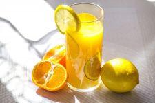 8 Khasiat Rutin Minum Air Jeruk Hangat Setiap Pagi, Selamat Tinggal Penyakit Ini - JPNN.com