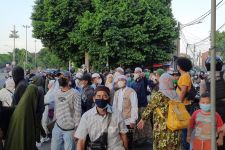 Habib Rizieq Divonis 8 Bulan Penjara, Massa Pendukungnya Langsung Bergerak - JPNN.com