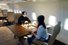 Lihat, 2 Pecatur Perempuan Bertarung di Atas Boeing 737 - JPNN.com