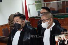 Keluarga Askara Diteror Kiriman Bunga Hingga Celana Dalam Wanita - JPNN.com