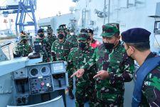 Lihat, Wakasal Menginspeksi Kesiapan Unsur-Unsur Armada Jaya - JPNN.com