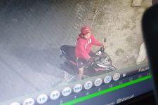 Perbuatan 2 Pemuda di Jalan Manukan Dalam Surabaya Terekam CCTV, Siap-Siap Saja ya Mas - JPNN.com