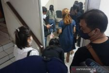 8 Orang Sedang Bersama Terapis Pijat saat PPKM Darurat, Ya Ampun - JPNN.com