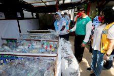 Ronald Atmadja: Masyarakat Kini Lebih Selektif dalam Memilah Sampah Plastik - JPNN.com