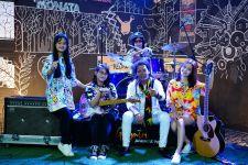 Siap-siap Terpukau Melihat Aksi Band Cewek Bikinan Cak Sodiq - JPNN.com Jatim