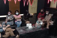 Karaoke Susana Lagi-lagi Digrebek Polrestabes Surabaya, Lihat Tuh Wajah Mbaknya - JPNN.com Jatim