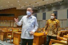 Sertifikat Vaksin Jokowi Beredar di Medsos, Dasco: Banyak Keluhan - JPNN.com