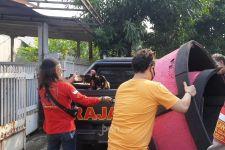 Digerebek Polisi, Para Pejudi Sabung Ayam Kocar-kacir, Ada yang Terjatuh dari Loteng - JPNN.com