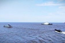 3 Kapal Perang TNI AL dan 2 Pesawat Udara Dikerahkan di Perairan Kalimantan Barat, Semoga Berhasil - JPNN.com