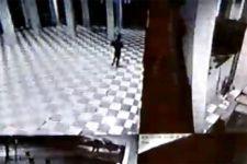 Pria Misterius Ini Numpang Salat Satu Rakaat di Masjid Gus Dur, Lalu..... - JPNN.com Jatim