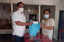 Perempuan Warga Surabaya Ini Menggadaikan Kartu PKH, Tak Mampu Menebus - JPNN.com