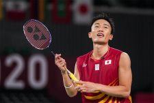 Tersingkir Terlalu Cepat di Olimpiade Tokyo, Kento Momota Sampaikan Permintaan Maaf - JPNN.com