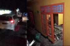 Ertiga Seruduk Tembok Rumah, Penghuni Langsung Dilarikan ke Rumah Sakit - JPNN.com