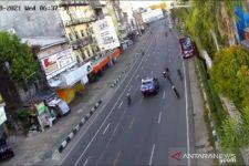 Mobil Pejabat Tabrak Pesepeda dan Kabur, Videonya Viral, Begini Jadinya - JPNN.com