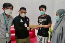Anak Buah Bu Risma ke Rumah Korban Tabrak Lari, Bawa Ini - JPNN.com