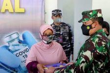 Laksamana Yudo Pimpin Serbuan Vaksin TNI AL di Sumedang, Bupati Dony Sangat Senang - JPNN.com
