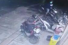 Aksi 2 Orang Ini Terekam CCTV, AKP Sugiatmo Imbau Warga Selalu Waspada - JPNN.com