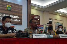 Dinar Candy Diamankan Polisi, Sang Adik Ikut Diperiksa, Kenapa? - JPNN.com