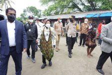 Sapa Warga Papua, Mensos Risma Tekankan Pentingnya Membangun Kualitas SDM - JPNN.com