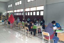 Program Vaksin Merdeka di Jaktim Sudah Mencapai 70 Persen - JPNN.com