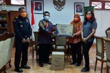 Bea Cukai Yogyakarta Memfasilitasi Pemberian Bantuan APD untuk Satgas Covid-19 Bantul - JPNN.com