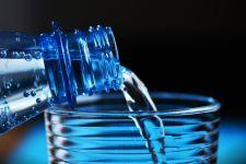 9 Manfaat Minum Air Putih Hangat Setelah Bangun Tidur, Luar Biasa - JPNN.com