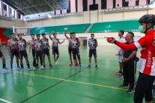 Pak Ganjar Beri Semangat untuk Para Atlet Jateng, Lihat yang Dilakukannya - JPNN.com