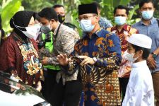 Jenguk Anak Yatim Piatu Korban Pandemi Covid-19, Bu Risma Bawa Kabar Baik - JPNN.com