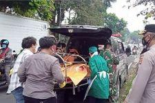 Melihat Kondisi AK di Tempat Tidur, Kakak Korban Meminta Tolong Warga - JPNN.com