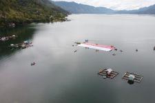 Bendera Merah Putih Berkibar di Bawah Laut Sabang - JPNN.com