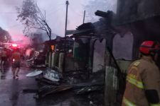 Kebakaran Hebat di Matraman, Gulkarmat Jaktim Kerahkan 70 Personel dan 14 Branwir - JPNN.com