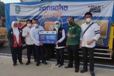 Dinar Wahyu Bagikan 10 Ribu Paket Sembako untuk Masyarakat Jatim Terdampak Covid-19 - JPNN.com
