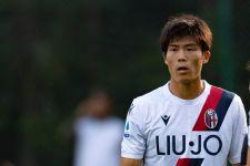Gagal ke AC Milan, Takehiro Tomiyasu Bakal Gabung Arsenal - JPNN.com