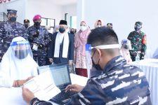 TNI AL Laksanakan Serbuan Vaksinasi ke Pondok Pesantren An Nawawi Tanara - JPNN.com