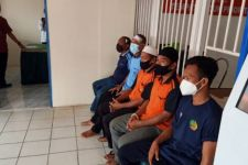 Detik-Detik Mobil Tahanan Angkut 10 Warga Binaan Terbalik, Astaga! - JPNN.com