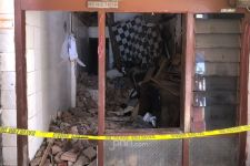 Mengharukan, Sebelum Meninggal, Fitri Melindungi Anaknya dari Reruntuhan - JPNN.com Jatim