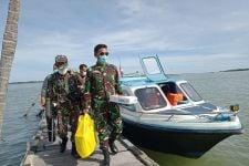 Kodim Tarakan Melakukan Serbuan Vaksin ke Pulau Sadau - JPNN.com