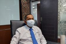Gubernur Sumbar Mahyeldi Lempar Tanggung Jawab? - JPNN.com