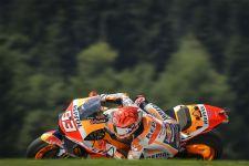 FP1 MotoGP Inggris: Marquez Kecelakaan, Tetapi Paling Cepat - JPNN.com