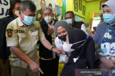 Kepada Jokowi, Bupati Rudy Blak-blakan Sampaikan Dosis Vaksin COVID-19 Kurang, Ridwan Kamil Bilang Begini - JPNN.com