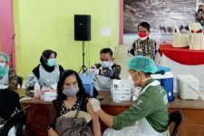 Gubernur Zainal Surati Kemenkes Tambah Stok Vaksin Buat Kaltara - JPNN.com