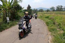 Pelumas Motul Scooter Lindungi Perjalanan Pengendara Yamaha Nmax dan Xmax - JPNN.com