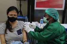 Minggu Depan, Warga Surabaya Tervaksinasi Dosis Pertama Seluruhnya - JPNN.com Jatim